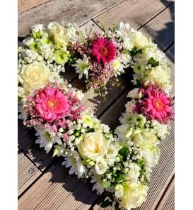 Fleuriste Leloup-Grand cœur creux de fleurs variées