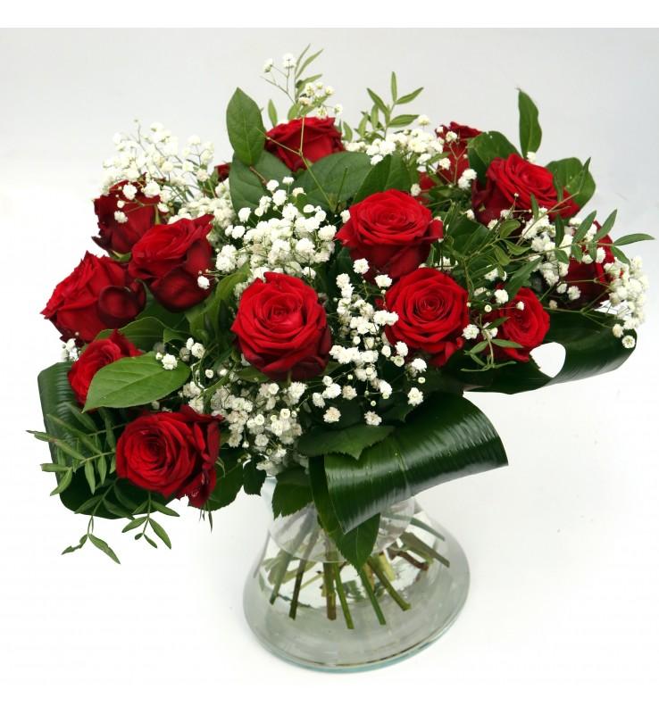 """Fleuriste Leloup-Bouquet """"?"""" de roses rouges avec gypsophile"""